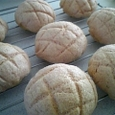 イチゴ味のメロンパン