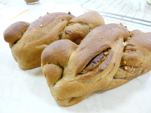 コーヒー風味のツイストパン