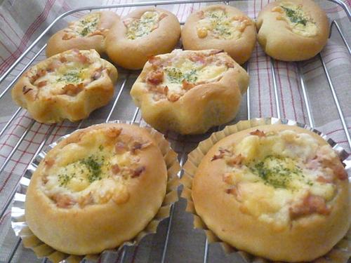 ツナコーンパン
